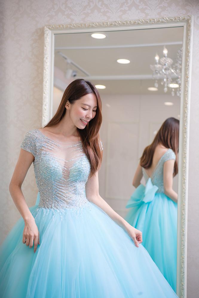 小花試穿 Elisa艾莉莎婚紗工作室