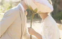 oversize-flower-bouquets-bridal-musings-wedding-blog-1