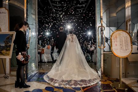 妳需要婚禮主持人來讓妳優雅的進場嗎?