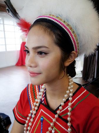阿美族傳統服飾造型+歐式網紗+復古水波長髮
