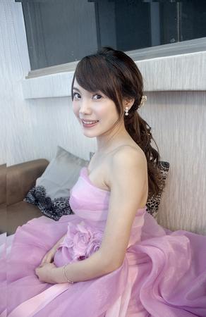 【bride】清新甜美的新娘造型 最自然妝感 台北彭園會館 新娘逸文