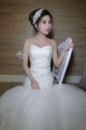 高雅氣質的白紗