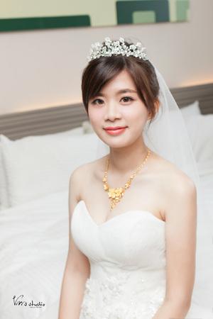 經典盤髮!清新氣質的浪漫白紗造型