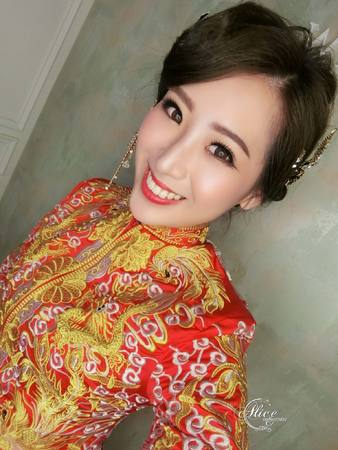 甜美龍鳳袍