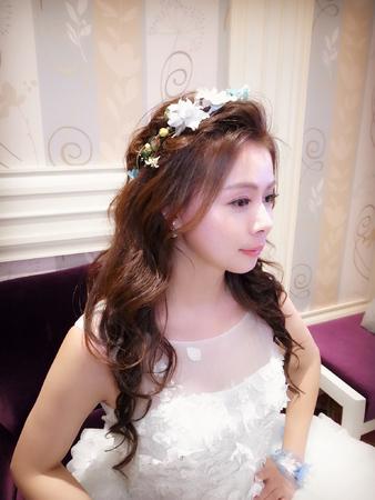 公主花環大波浪長髮+訂婚典雅盤髮+白紗氣質公主