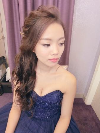 新娘秘書-pin|編髮|裙掛造型|中式|浪漫捲髮|側邊捲髮|丸子頭|乾燥花不凋花