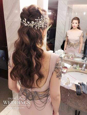 送客造型特別將頭髮大膽往後梳, 塑造令人難以忽視的獨特魅力, 大展自信之美!