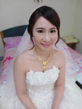 甜美淡妝新娘