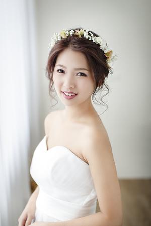 清新秀麗的鮮花花環超可愛!輕柔甜美的新娘鮮花造型