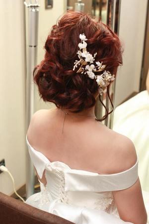 及肩短髮的日系白紗造型