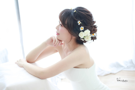 短髮新娘造型~清新秀麗浪漫鮮花造型