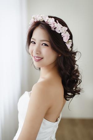 春季粉嫩色!充滿清新甜美的新娘鮮花造型