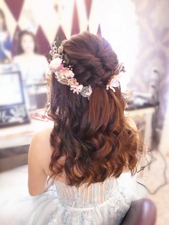 夢幻乾燥花編髮公主頭+髮箍編髮低包頭+時尚大旁分