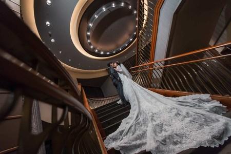 [婚攝] 世貿三三婚宴會館 | 婚禮紀錄 | 大中&佩琦 - 奔跑少年