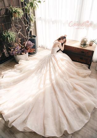 Queena品牌婚紗【Camelia_SAKULA】系列禮服
