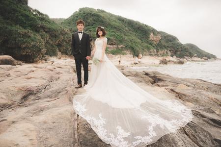 良 ♥  香  新竹Vanessa 手工婚紗。攝影工作室