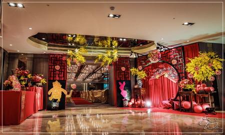 尊爵大飯店婚禮佈置-國際廳『維尼熊&中國風-紅金白色』婚禮...1060715