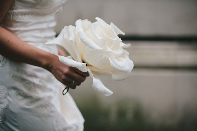 oversize-flower-bouquets-bridal-musings-wedding-blog-10