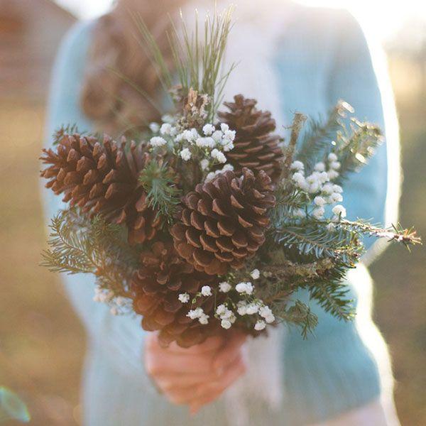 ef00b48bc27b3cd3633a5acdae435fd1 森林中的溫柔姿態,秋冬婚禮專屬的「特色松果捧花」